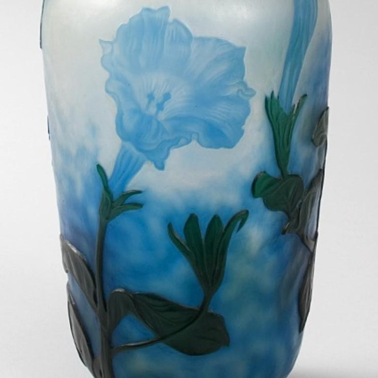 Early 20th Century Daum Nancy French Art Nouveau Cameo Glass Vase For Sale