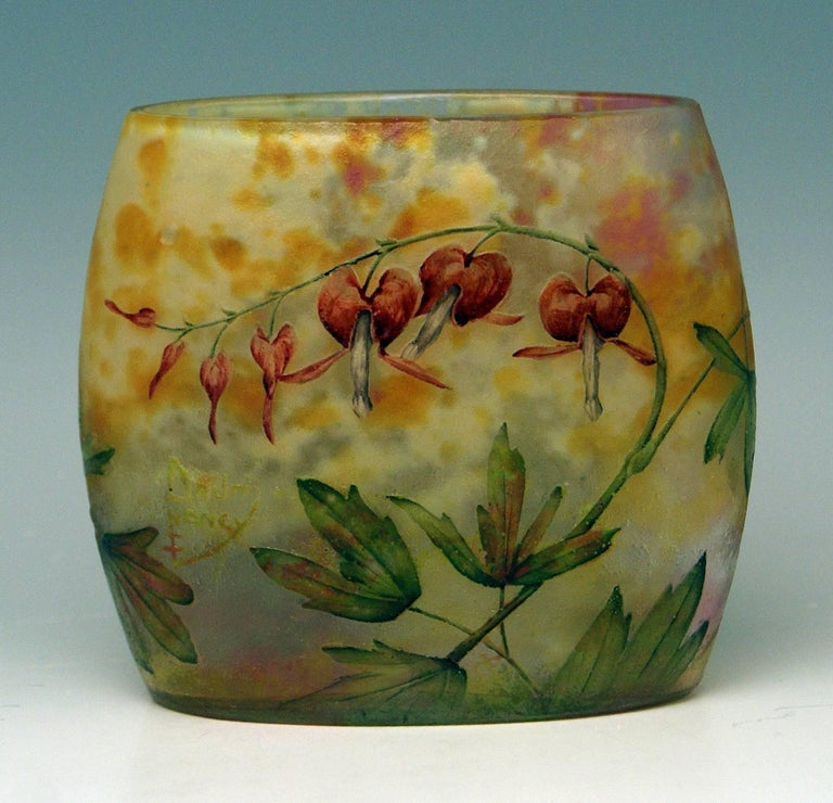 Daum Nancy Cameo stunning art glass pillow vase of Art Nouveau period. Excellently decorated with special flowers: Bleeding-Hearts   Manufactory: Daum Frères / Made in France / Nancy, Lorraine, circa 1900-1905. Designer: Daum Frères (Auguste