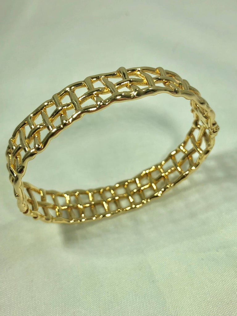 Daunis 14 Karat Yellow Gold Hinged Cuff Bracelet For Sale 6