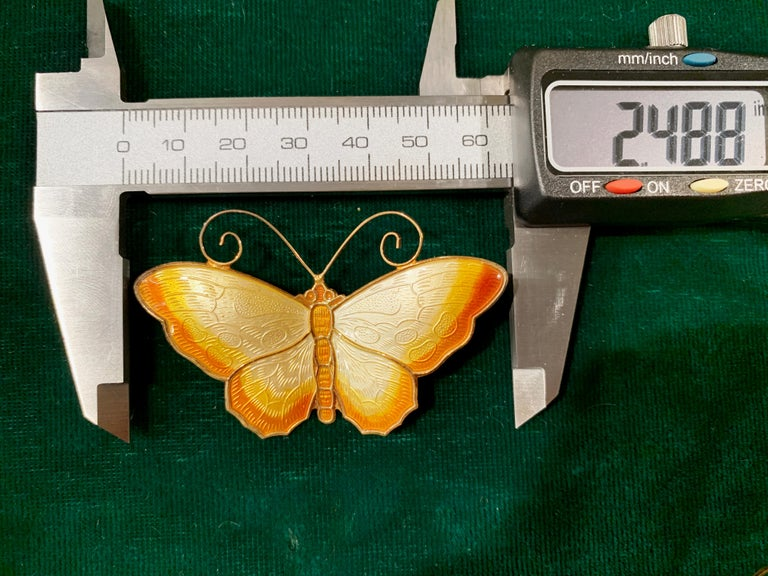 David Andersen White Yellow Orange Enamel Butterfly Brooch Pin In Good Condition For Sale In Milano, IT