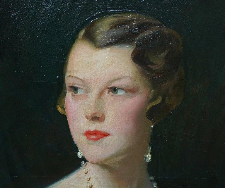 Portrait of Lady Sarah McKinstry - Scottish Art Deco 1930 portrait oil painting For Sale 3