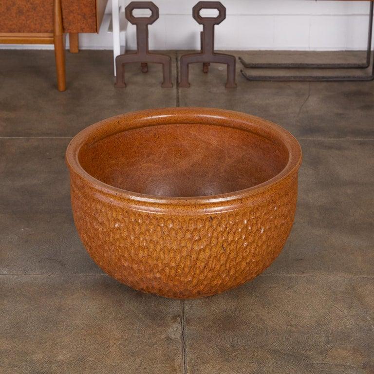 "Ceramic David Cressey & Robert Maxwell for Earthgender ""Thumbprint"" Bowl Planter For Sale"
