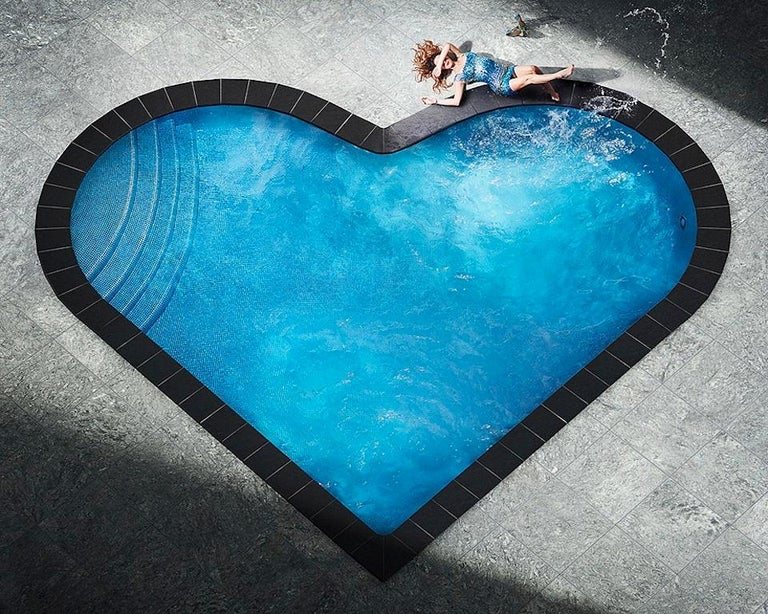 David Drebin, Splashing Heart - Photograph by David Drebin
