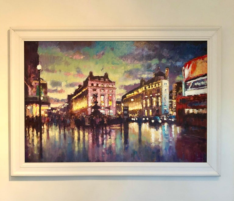 The original painting by David Farren is framed, stringed and ready to be displayed. The artist is renowned for his ability to capture the atmosphere of a city, as he has done in this painting of Piccadilly Circus.   David Farren is a contemporary