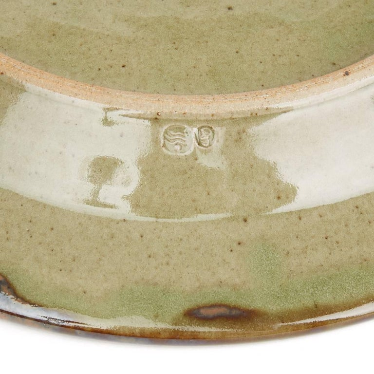 David Frith Abstract Decorated Stoneware Dish, 20th Century In Good Condition For Sale In Bishop's Stortford, Hertfordshire