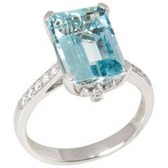 Certified 5.61ct Emerald Cut Brazilian Aquamarine and Diamond 18ct Gold Ring