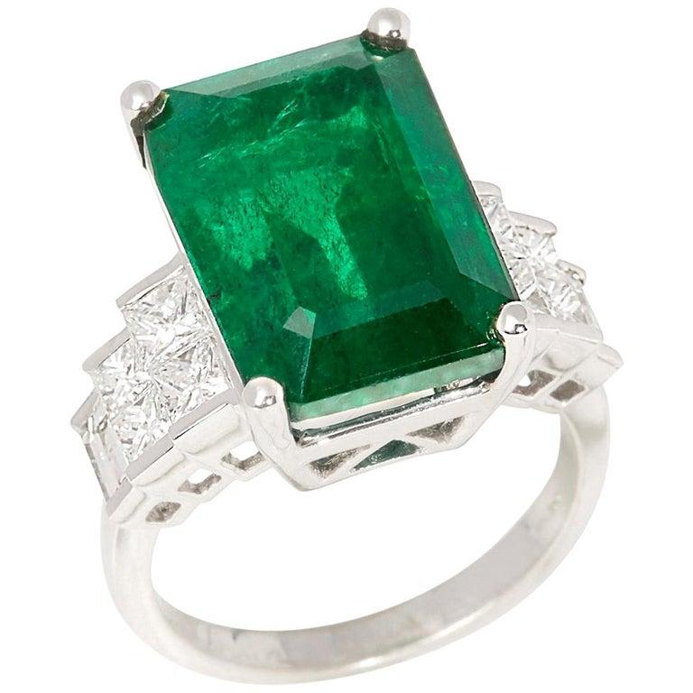 David Jerome 18 Karat White Gold Emerald and Diamond Ring For Sale