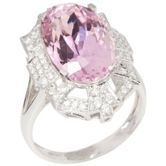Certified 9.91ct Untreated Oval Cut Kunzite and Diamond 18ct Gold Ring