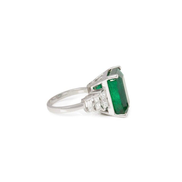 Art Deco David Jerome 18 Karat White Gold Emerald and Diamond Ring For Sale