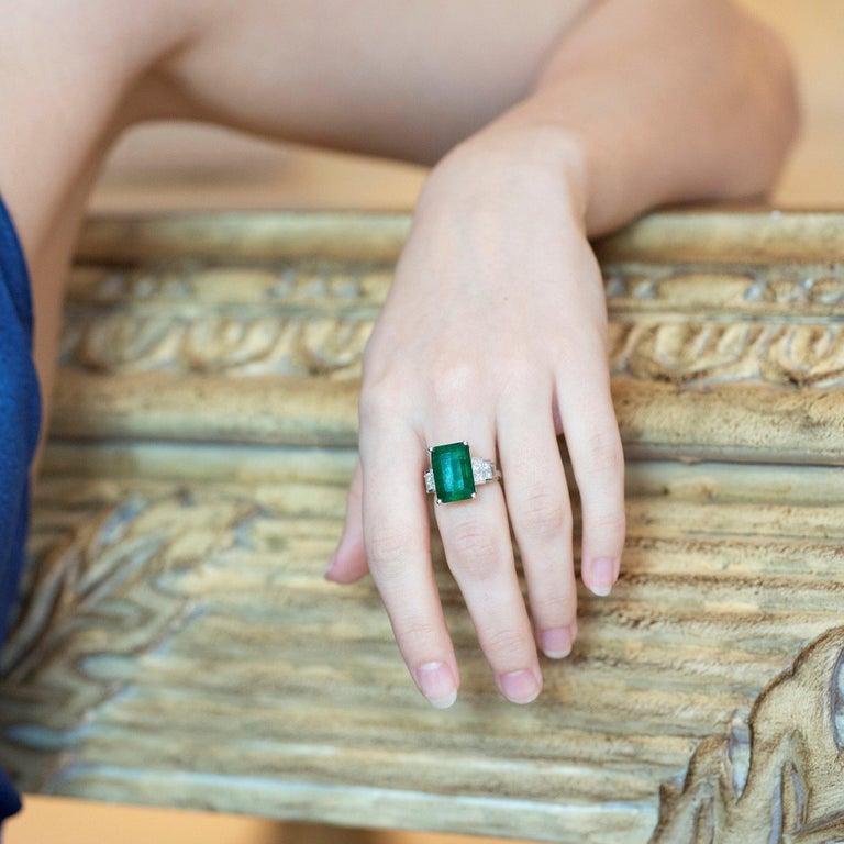 Women's David Jerome 18 Karat White Gold Emerald and Diamond Ring For Sale