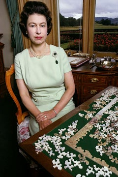 Queen Elizabeth with Puzzle