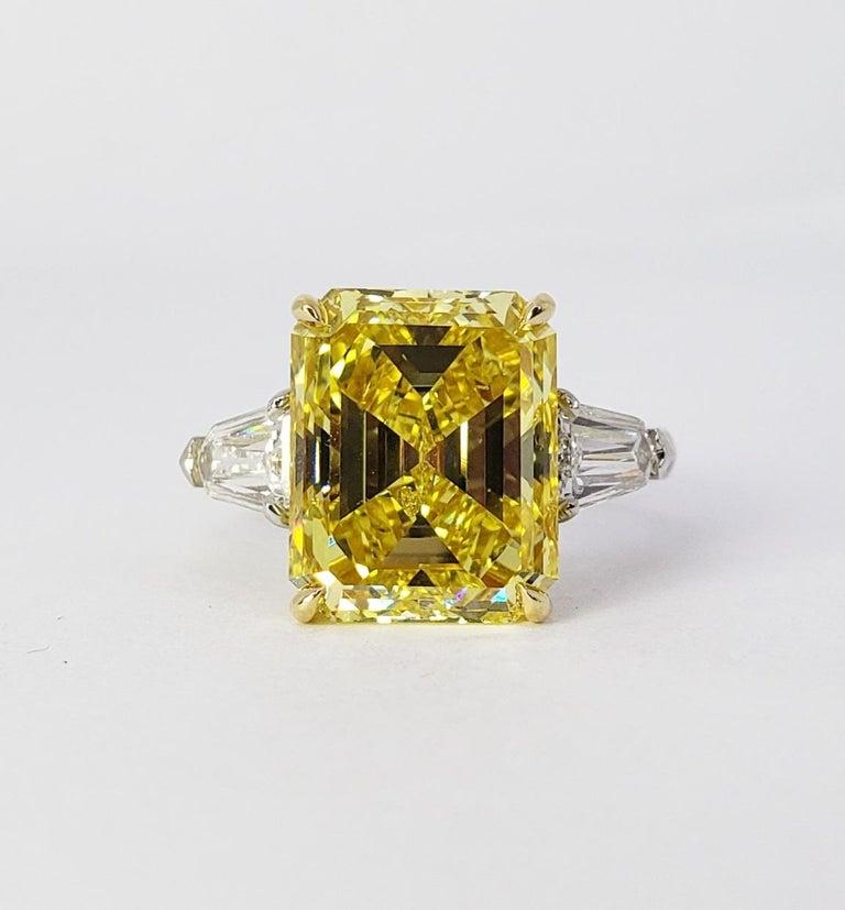 David Rosenberg 6.40ct Emerald Fancy Vivid Yellow GIA Diamond Engagement Ring For Sale 7