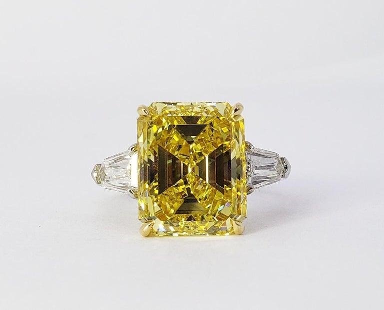 David Rosenberg 6.40ct Emerald Fancy Vivid Yellow GIA Diamond Engagement Ring For Sale 8