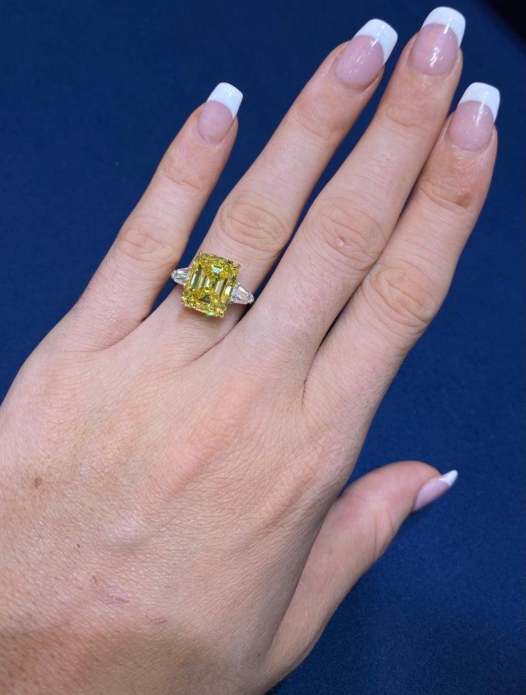 David Rosenberg 6.40ct Emerald Fancy Vivid Yellow GIA Diamond Engagement Ring For Sale 9