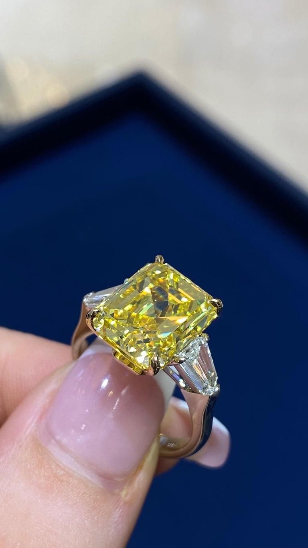 David Rosenberg 6.40ct Emerald Fancy Vivid Yellow GIA Diamond Engagement Ring For Sale 11