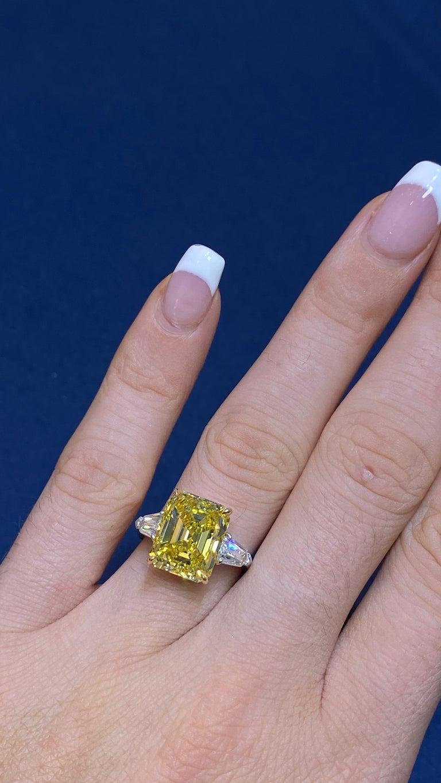 David Rosenberg 6.40ct Emerald Fancy Vivid Yellow GIA Diamond Engagement Ring For Sale 13
