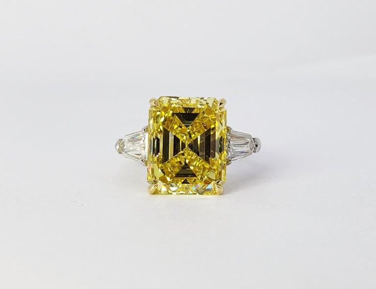 Modern David Rosenberg 6.40ct Emerald Fancy Vivid Yellow GIA Diamond Engagement Ring For Sale