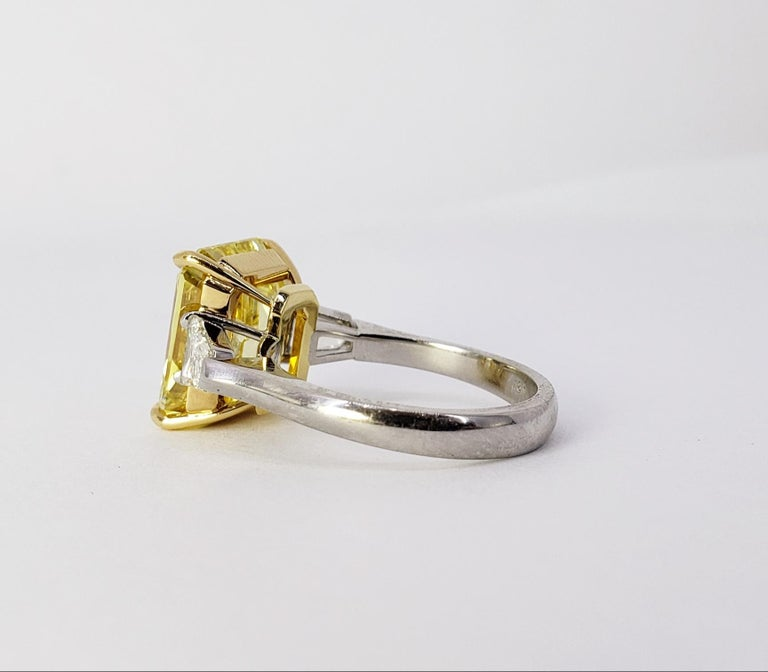 Women's David Rosenberg 6.40ct Emerald Fancy Vivid Yellow GIA Diamond Engagement Ring For Sale