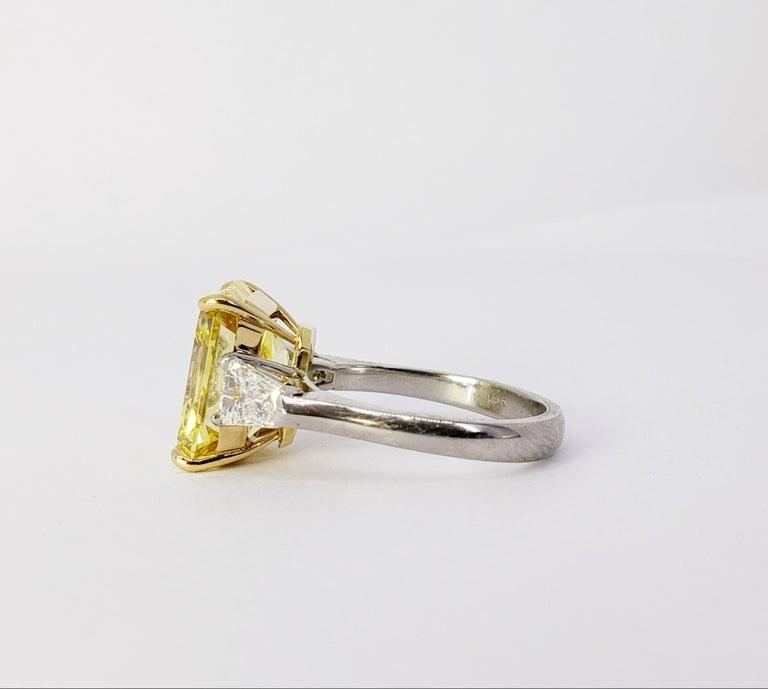 David Rosenberg 6.40ct Emerald Fancy Vivid Yellow GIA Diamond Engagement Ring For Sale 1
