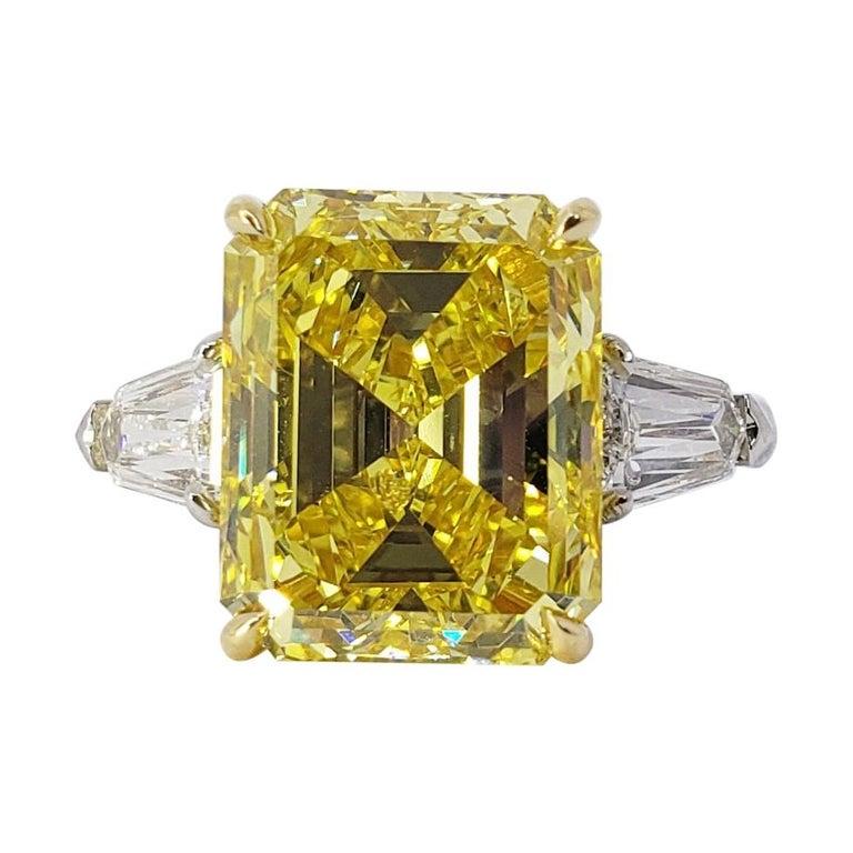 David Rosenberg 6.40ct Emerald Fancy Vivid Yellow GIA Diamond Engagement Ring For Sale