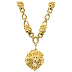 David Webb 18 Karat Gold Necklace with Lion Head Pendant, circa 1965