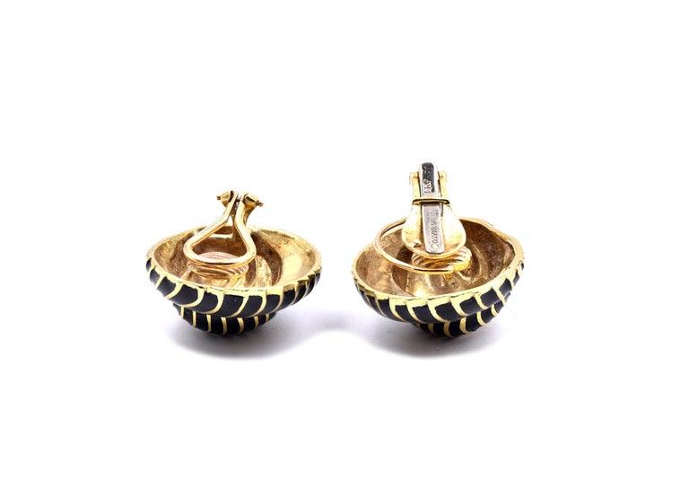 Women's David Webb 18 Karat Yellow Gold and Black Enamel Seashell Earrings For Sale