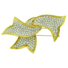 David Webb 18 Karat Yellow Gold and Platinum Diamond Ribbon Large Brooch