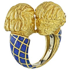 David Webb 18 Karat Yellow Gold Blue Enamel Double Head Gemini Twins Zodiac Ring