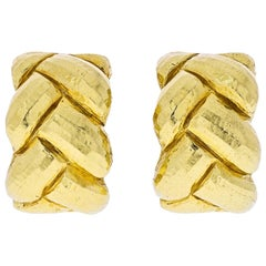 David Webb 18 Karat Yellow Gold Hammered Braid Huggie Earrings