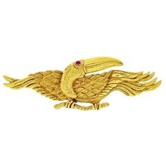 David Webb 18 Karat Yellow Gold Toucan Bird Brooch