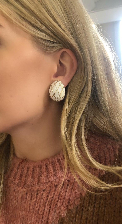 David Webb 18 Karat Gold and White Enamel Clip-On Earrings For Sale 1