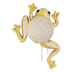 David Webb 18 Karat Gold Crystal Diamond Sapphire Multi Gem Frog Brooch