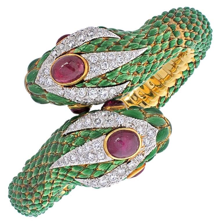 David Webb 18K Yellow Gold Crossover Double-Headed Serpent Bracelet For Sale