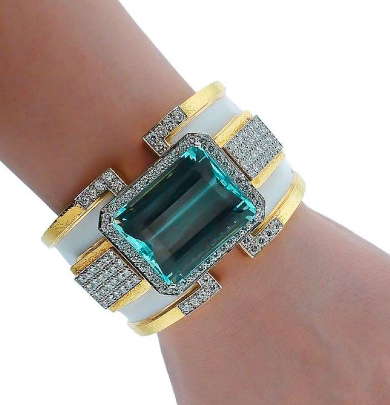 David Webb 18K Yellow Gold Large Aquamarine And Diamond Bangle Cuff Bracelet In Excellent Condition For Sale In New York, NY