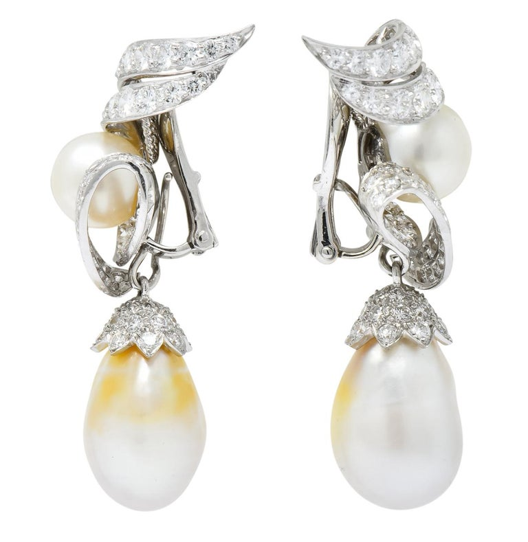 David Webb 1960s Diamond Pearl Platinum and 18 Karat Gold Day Night Earrings In Excellent Condition For Sale In Philadelphia, PA