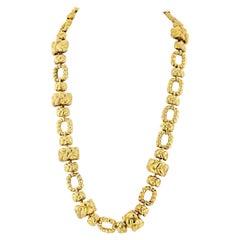 David Webb 1970s 18 Karat Yellow Gold Articulated Link Necklace