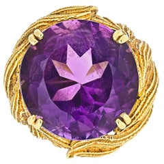 David Webb 1970s 18 Karat Yellow Gold Vintage Amethyst Ring