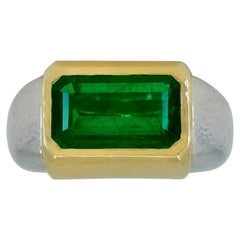 David Webb 5.41 Carat Emerald Platinum Cocktail Ring