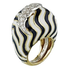 David Webb Black Bombe and White Diamond Enamel Platinum Gold Ring