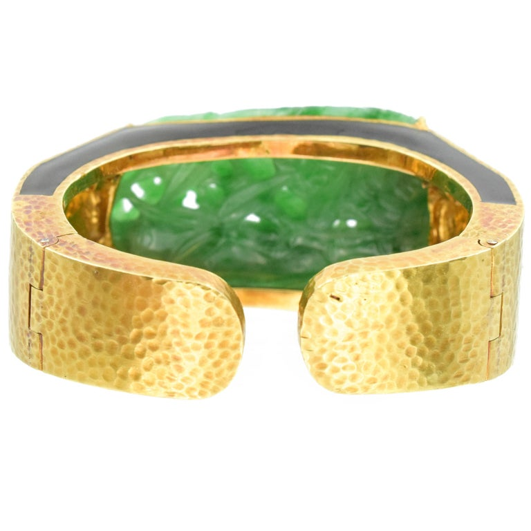 David Webb Carved Jade, Black Enamel and Diamond Cuff For Sale 3