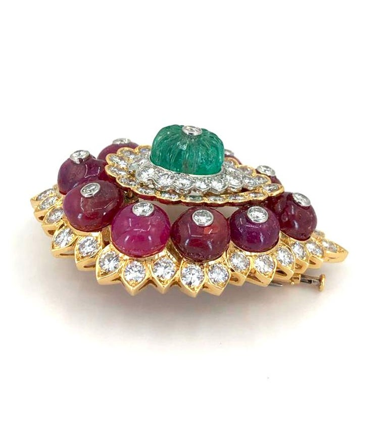 Mixed Cut David Webb Diamond Carved Emerald Ruby Yellow Gold Platinum Brooch For Sale