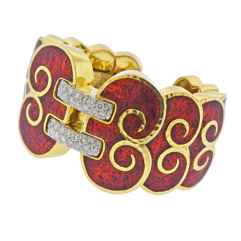 18k yellow gold and platinum red enamel cuff bracelet by David Webb, with approx. 1.60cts in H/VS-SI1 diamonds. Cuff will fit approx. 6.75