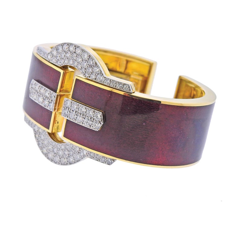 18k yellow gold and platinum red enamel cuff buckle bracelet by David Webb, with approx. 2.60cts in H/VS-SI1 diamonds. Cuff will fit approx. 6.5-6.75