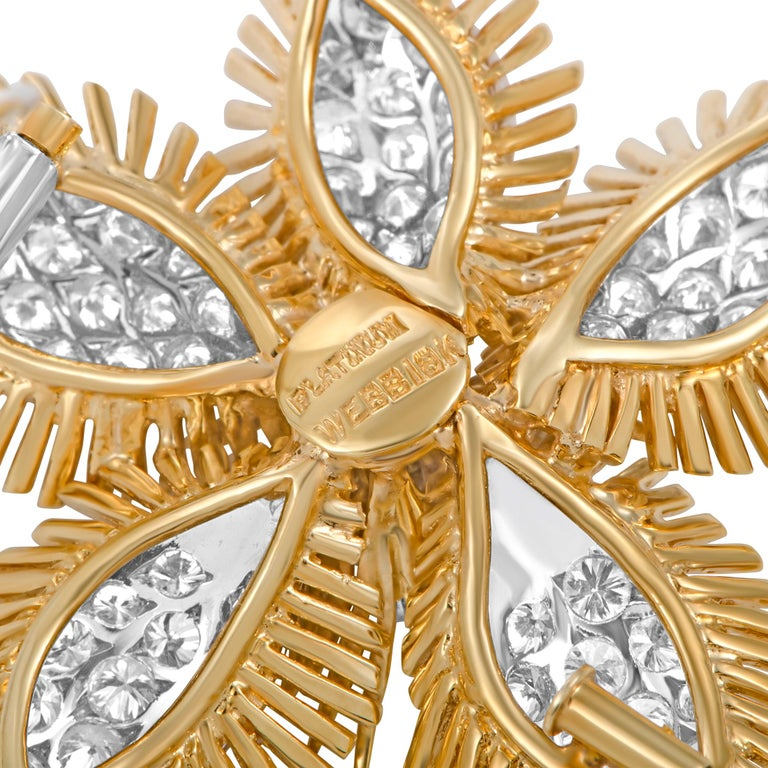 David Webb Diamond Pavé Yellow Gold and Platinum Flower Brooch In Excellent Condition For Sale In Southhampton, PA