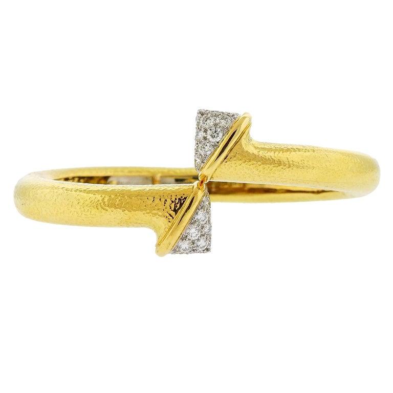 David Webb Diamond Platinum Hammered Gold Crossover Bangle Bracelet For Sale