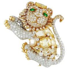 David Webb Diamond Emerald Yellow Sapphire Gold Platinum Lion Brooch