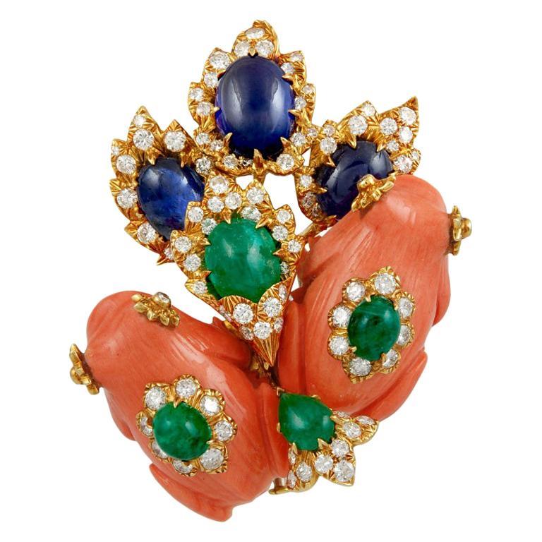 David Webb Diamond Coral Cabochon Emerald Gold Frog Brooch For Sale