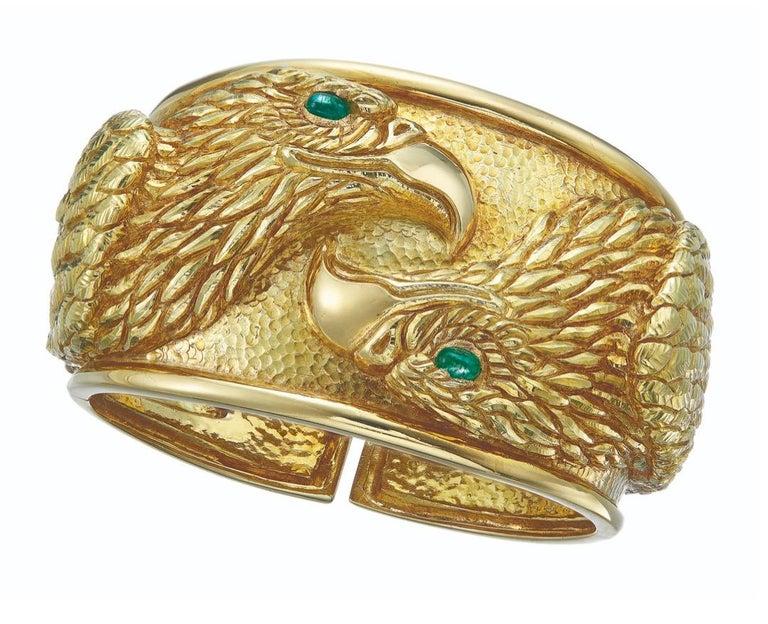 David Webb Gold and Emerald Eagle Cuff Bracelet For Sale 1