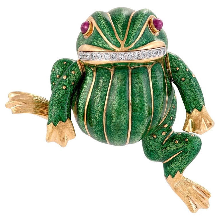 David Webb Green Enamel Angry Frog Brooch in 18K Yellow Gold, with Certificate For Sale