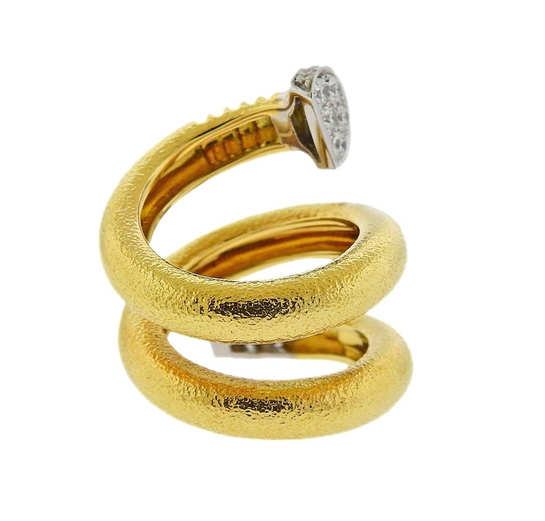 David Webb Hammered Gold Platinum Diamond Nail Wrap Ring In Excellent Condition For Sale In Lahaska, PA
